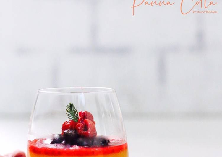 Orange Berries Panna Cotta