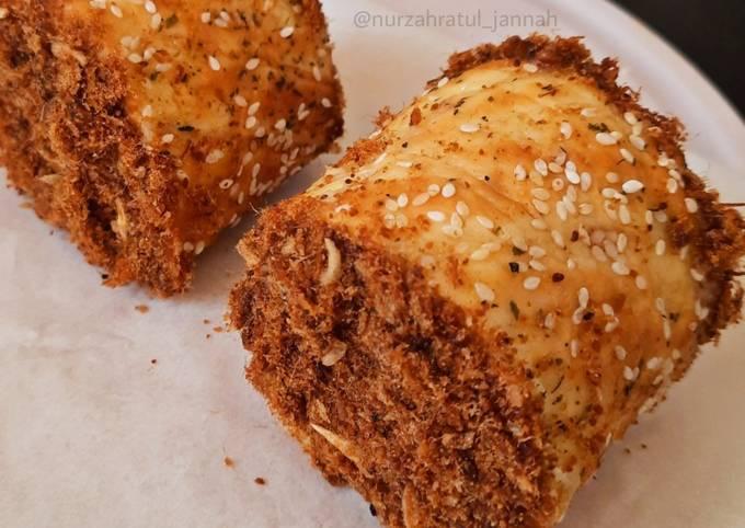Floss Roll Bread / Roti Gulung Abon