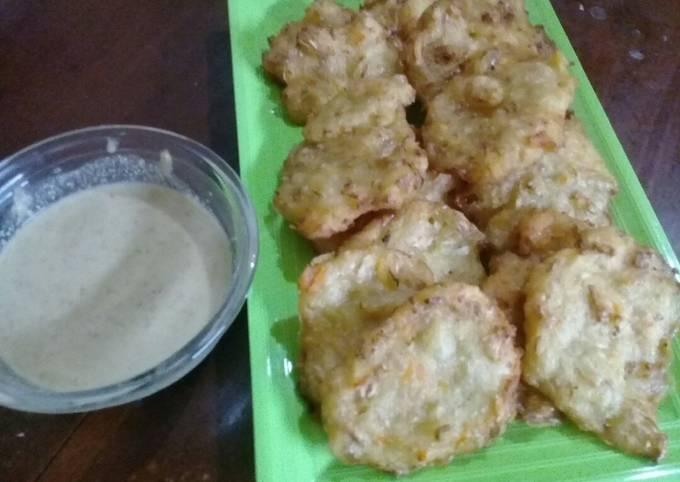 Goreng bakwan sambal kacang/su'uk (khas Ramadan di Subang)