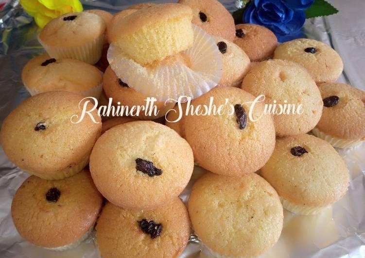 How to Prepare Speedy Soft Cupcakes with raisins