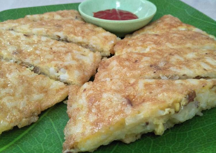 Tuna and rice omelette