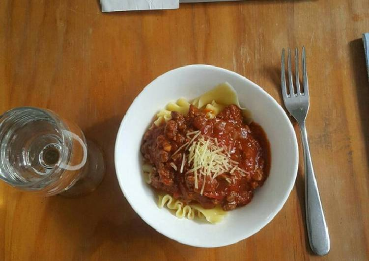 Recipe: Yummy Pasta with Easy Meat Sauce