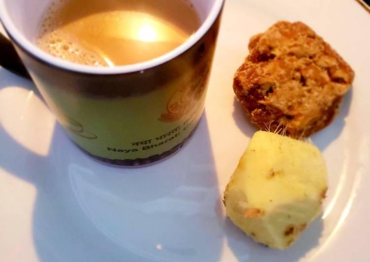 Recipe of Favorite Ginger jaggery tea