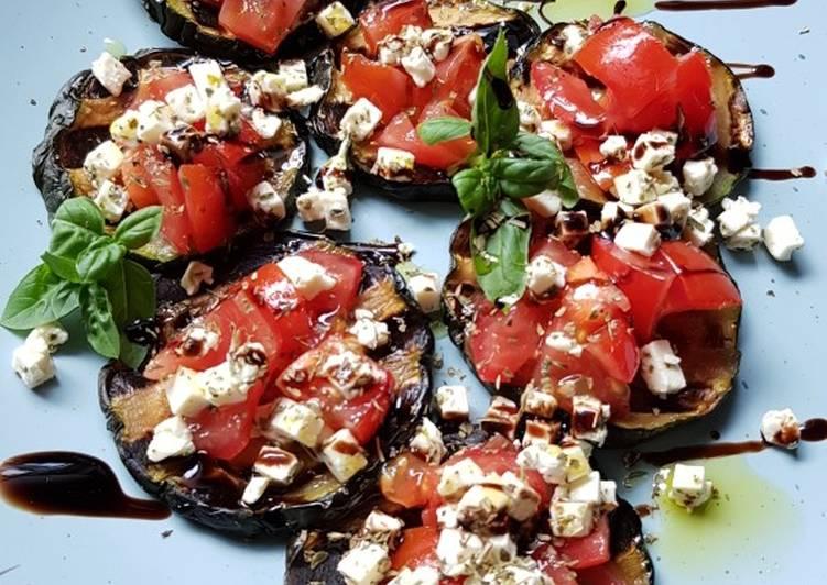 Zucchini-Häppchen mit Schafskäse und Tomate