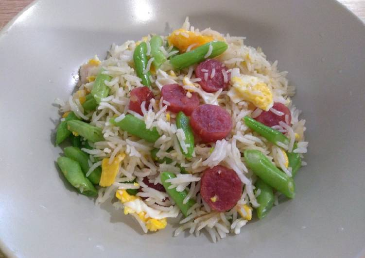 Learn How to Improve Your Mood with Food 腊肠四季豆炒饭 Fried Rice with Chinese Sausage & French Beans