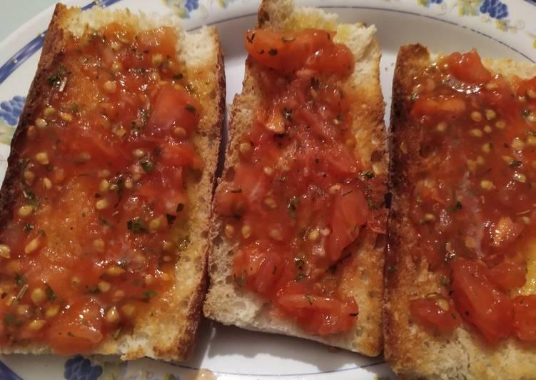 Tostadas con tomate