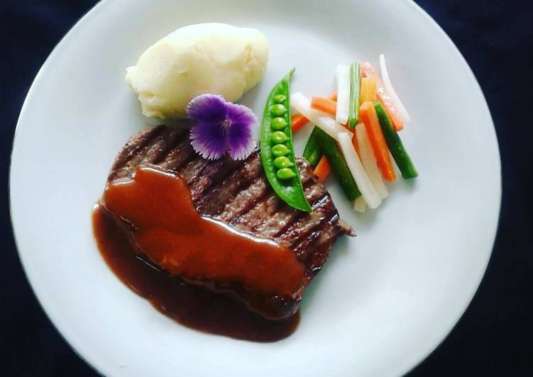 Resep Beef Steak With Demiglace Sauce Mashed Potato Oleh Iyan Idyan Rusli Cookpad