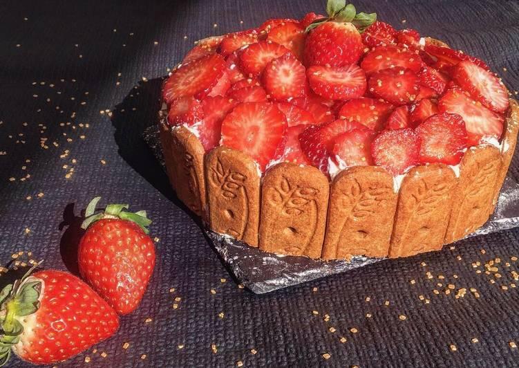 Génoise avec nutella/chantilly spéculos et fraise