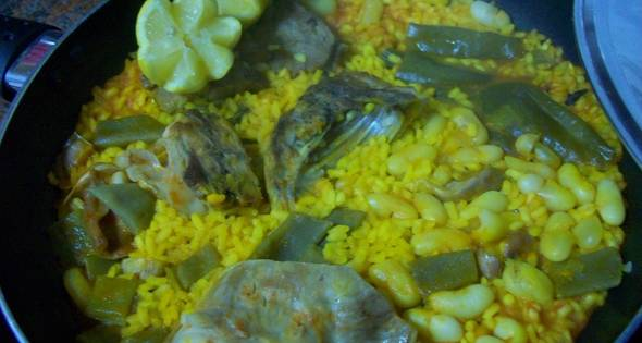 Paella De Carne Y Verdura