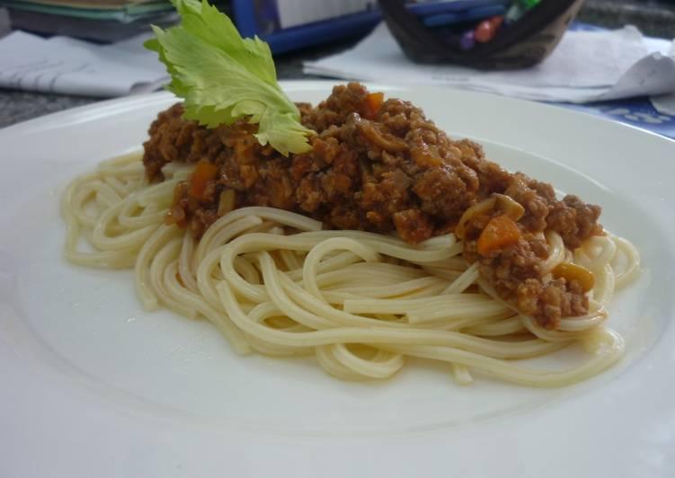 Spaghetti a la bolognesa casera
