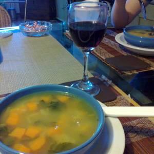 Sopa de carne y verduras all mio uso