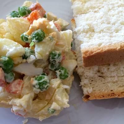 Ensalada Rusa Papas Zanahorias Y Arvejas Receta De Mis Recetas Cookpad Pero yo tengo arvejas y zanahorias guisadas del almuerzo d la mañana. ensalada rusa papas zanahorias y arvejas