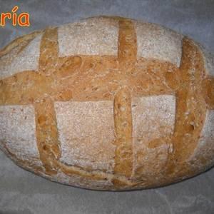 Pan de centeno con semillas de amapola y semillas de lino dorado
