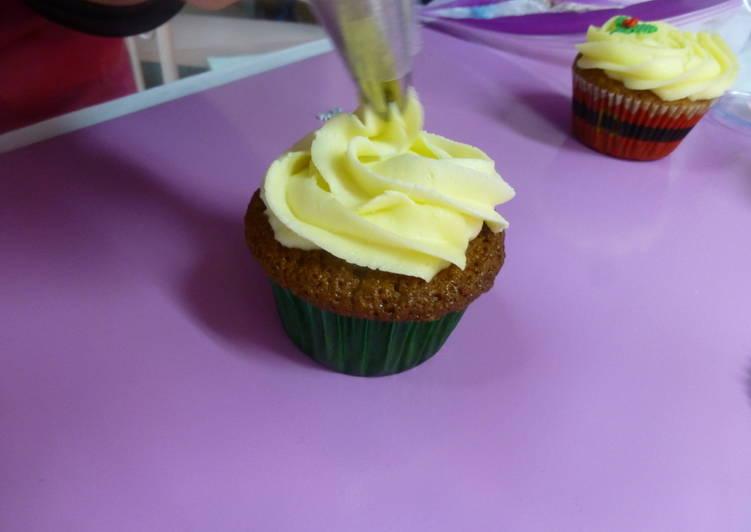 Cómo Hacer Buttercream Para Decorar Cupcakes Receta De