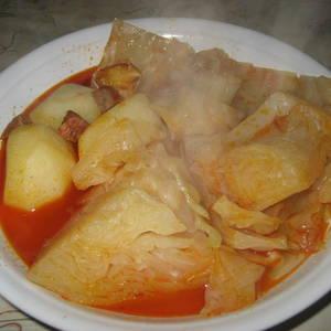 Col con patatas y refrito