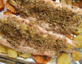 Trucha asalmonada al horno con crujiente