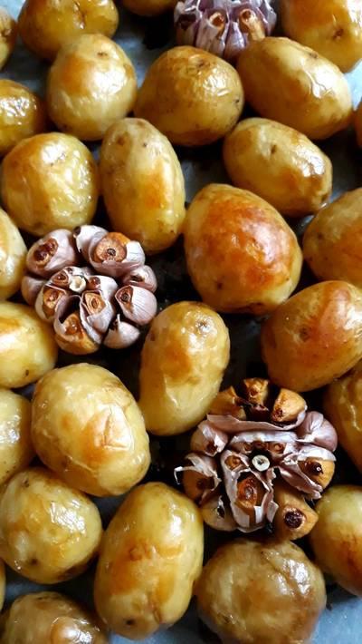 Картошка с чесноком в духовке 🍽🍷
