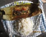 Dried Fish and Young Mango Wrapped in Banana Leaves (PEPES IKAN KERING) recipe step 4 photo