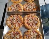 Pizza Mini Simpel Tanpa Telor langkah memasak 7 foto