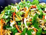 Foto del paso 2 de la receta Salmón a la plancha con verduritas salteadas