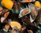 Mussels in Chilli and Tomato Sauce langkah memasak 1 foto