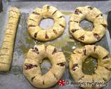 Olive and cheese bread rings recipe step 4 photo