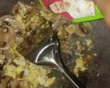 Mi goreng jamur kancing langkah memasak 4 foto