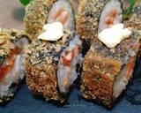 Sushi cá hồi chiên xù bước làm 4 hình