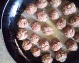 Meat balls and beef sausages bitings in sauce recipe step 7 photo