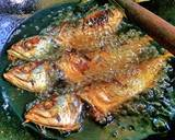 Ikan kembung goreng sambal asam langkah memasak 8 foto
