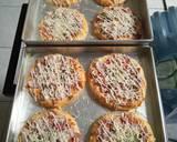 Pizza Mini Simpel Tanpa Telor langkah memasak 6 foto