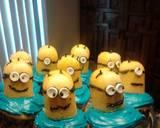 Despicable Me: Minion Cupcakes recipe step 11 photo