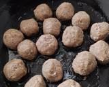 Beefballs in Bechamel Sauce