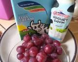 Ice yogurt grape