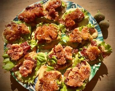 Tosta casera de higos con jamón ibérico