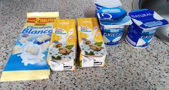 1 Crema De Yogur Con Chocolate Blanco