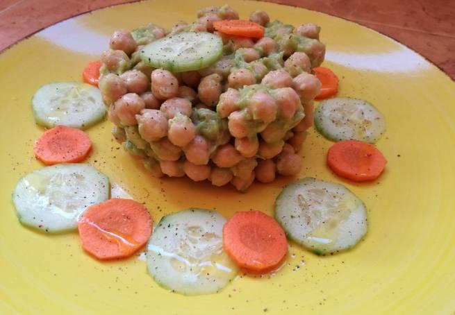 4 Ensalada De Garbanzos Con Guacamole (Vegana)