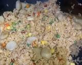 Nasi goreng seafood yang zhou langkah memasak 2 foto