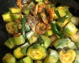 Chingri diye Aloo Potoler Dalna (Parwal Prawns Curry - Bengali style) recipe step 4 photo