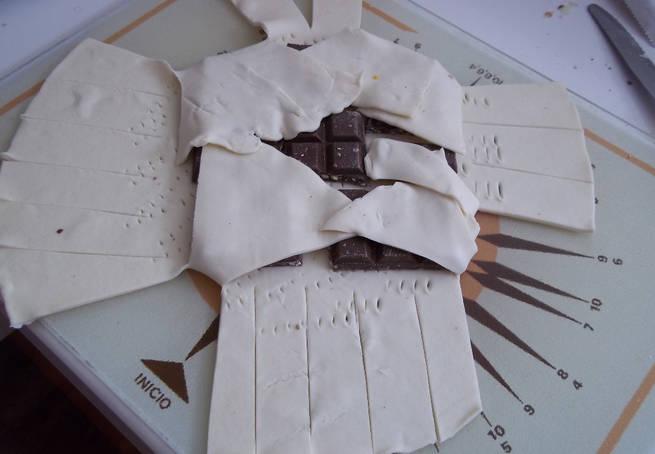 3 Pliegue De Masa De Hojaldre Con Tableta De Chocolate