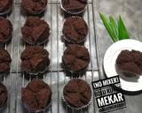 (No Mixer) Bolu Kukus Cokelat Mekar - Anti gagal langkah memasak 7 foto