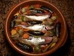 Foto del paso 24 de la receta Cazuela de jureles al horno con alcachofas y berenjenas