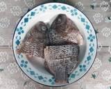 Ikan Nila Goreng Sambal Mangga langkah memasak 1 foto