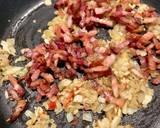 Makaron w sosie śmietanowym z wędzonym boczkiem i kaparami krok przepisu 3 zdjęcie