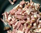 Tagliatelle w sosie śmietanowym z boczkiem i pieczarkami krok przepisu 1 zdjęcie