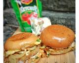 Burger Ala Roti John langkah memasak 5 foto