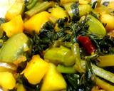 Pui shaaker chochhori (Malabar Spinach with mixed vegetables) recipe step 2 photo