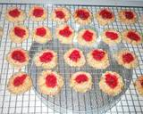 Strawberry Jam Thumbprint Cookies Dg Wijen ~No BP No Mixer langkah memasak 13 foto