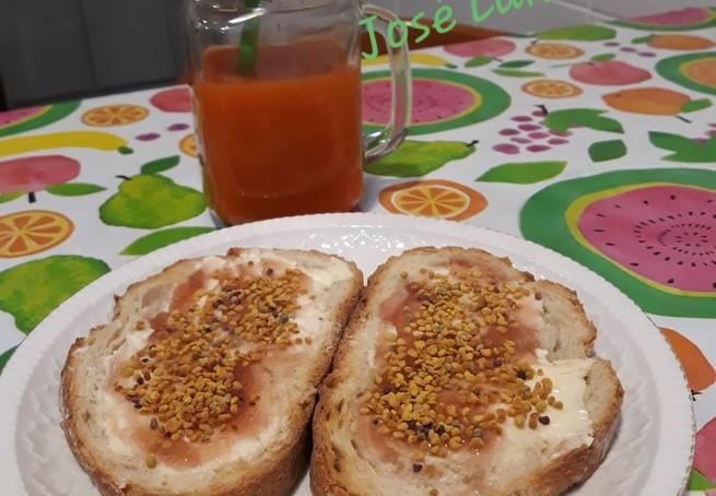 1 Tostadas Con Mantequilla, Dulce De Pétalos De Amapola Y Polen