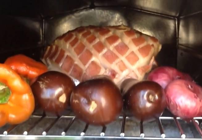 3 Pernil De Cerdo O Jamón De Cerdo Al Horno O Pata De Cerdo